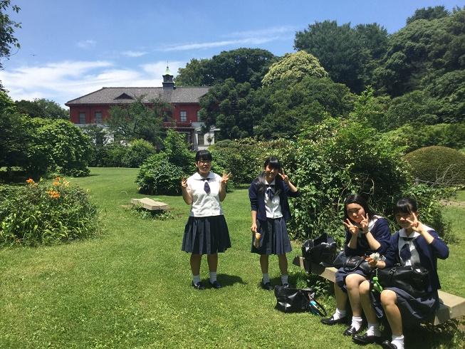 東京大学医学校旧校舎。日本庭園とあわせて独特な雰囲気ですね。
