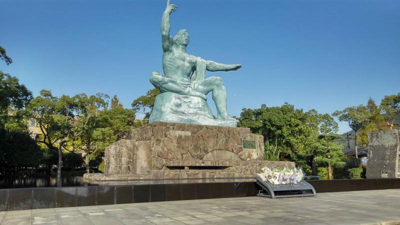 長崎平和公園で平和祈願