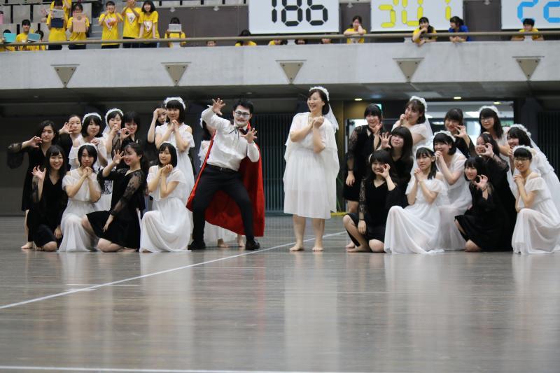 3年生ダンス(天使と悪魔)